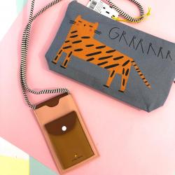 ¿Porta móvil o estuche? ¿Cuál sería para ti?  #ventaonline #pequeñocomercio #portamovil #estuche #gatos #ilovecats #algodonorganico