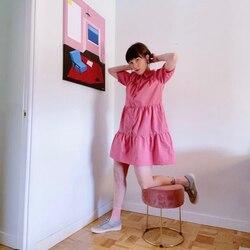 Qué alegría me he llevado, cuando he entrado en el perfil de @audrey_satan y la he visto a con este vestido de Compañía Fantástica que tenemos en nuestra tienda.  Y es que, su perfil, me gusta tanto que tengo activadas todas las alertas para no perderme ninguna de sus publicaciones. . . Por cierto… ¿A que está guapísima?  📸 foto y modelo @audrey_satan  #verdedoncellatienda #verdedoncellaonline #pequeñocomercio #vestidosbabydoll #babydoll #vestidorosa #compañiafantastica #companiafantastica #vestidocamisero #vestidomangacorta #vestidoconvolantes #vestidomangasfruncidas #modaespañola #tendenciasdemoda2021