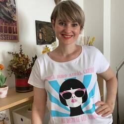 Me encanta la frase de mi camiseta nueva. Va un montón conmigo. ¿Y a ti?  #verdedoncellaropa #lifestyle #camisetaalgodon #animosa #pequeñocomercio #camisetafrases #camisetaoriginal