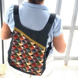 Hace tiempo mi amiga @almuletras_y_letritas, que es muy fan de las mochilas de k1000, me mando esta foto de la mochila Klee. Me ha costado un montón no publicarla antes, porque la foto me encanta, pero hasta ahora la teníamos agotada. ¿Tú también eres fan de las mochilas k1000? . . . . . #mochilask1000 #pequeñocomercio #mochilasdetela #mochilaunisex #mochilaartesana #mochilaartesanal  ##hechoenespana #hechoenespaña